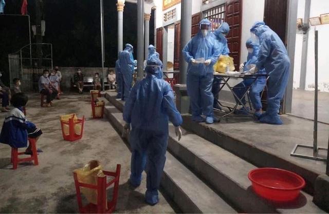 Trên đường đi giao hàng, nữ tài xế xin vào test nhanh thì nhiễm SARS-CoV-2 - Ảnh 2.