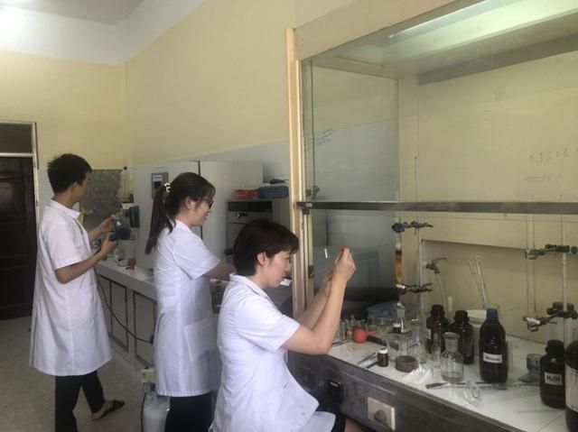 Việt Nam tổng hợp thành công thuốc điều trị SARS-CoV-2 - Ảnh 1.
