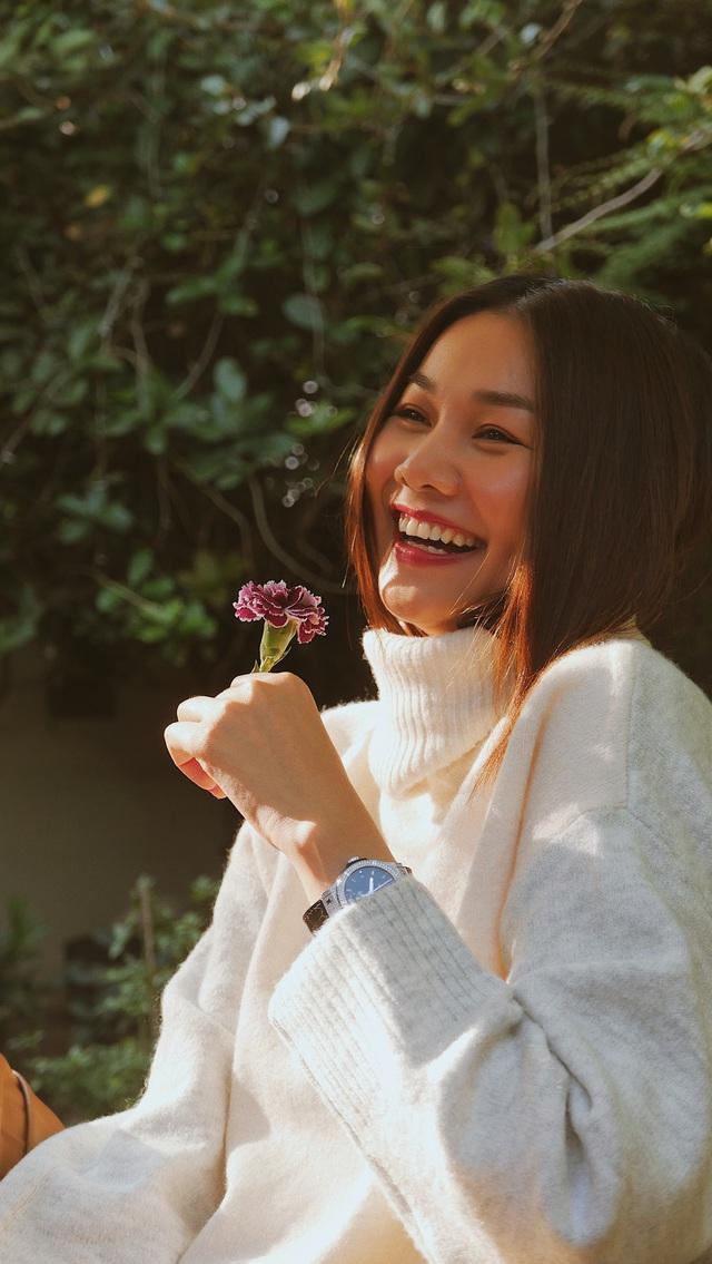 """Siêu mẫu Thanh Hằng: Chân dài kín tiếng của showbiz Việt tiết lộ về điểm đến an yên nhất và khẳng định """"nơi nào cũng đẹp như tranh"""" khi bên cạnh có người này - Ảnh 4."""