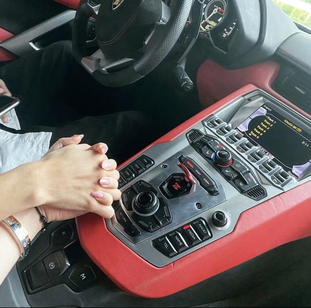 Gặp rich kid 2k Hải Phòng sáng lái Ferrari đi học, tối về làm sếp, xách túi 20.000$ - Ảnh 15.