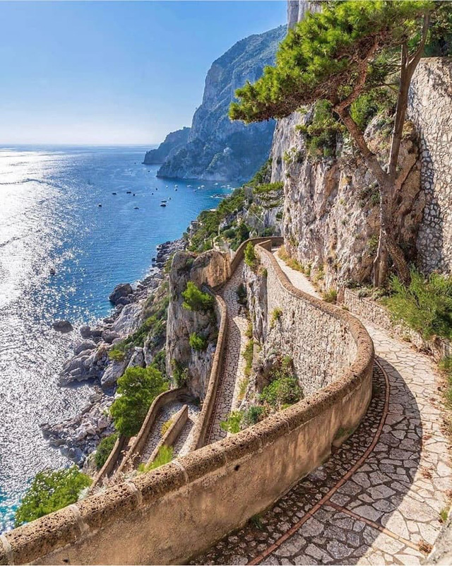 Choáng ngợp Capri – hòn đảo không Covid-19 ở châu Âu, điểm nghỉ dưỡng siêu cao cấp của người giàu trời Tây - Ảnh 5.