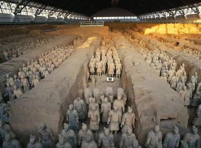 Gương mặt bí ẩn giữa 7000 chiến binh đất nung: Chỉ xuất hiện trong 5 phút và biến mất ngay sau khi khai quật - Ảnh 1.