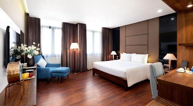 Đà Nẵng mở lại hoạt động tắm biển, loạt khách sạn 4 sao giảm giá chạm đáy: Chỉ 400 ngàn đồng/đêm, vị trí trung tâm, rating cao vút 8-9 điểm - Ảnh 10.