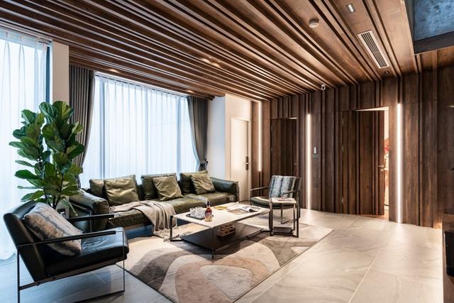 Vợ chồng 9X chi 5 tỷ cải tạo penthouse, dành hẳn 150m2 làm khu vườn trên cao để chill tại gia - Ảnh 2.
