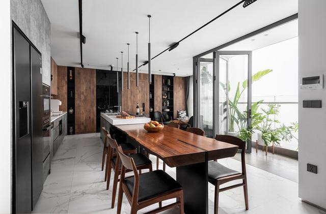 Vợ chồng 9X chi 5 tỷ cải tạo penthouse, dành hẳn 150m2 làm khu vườn trên cao để chill tại gia - Ảnh 11.