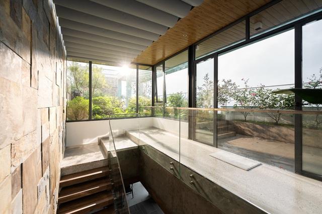 Vợ chồng 9X chi 5 tỷ cải tạo penthouse, dành hẳn 150m2 làm khu vườn trên cao để chill tại gia - Ảnh 23.