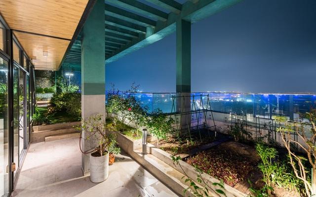 Vợ chồng 9X chi 5 tỷ cải tạo penthouse, dành hẳn 150m2 làm khu vườn trên cao để chill tại gia - Ảnh 24.