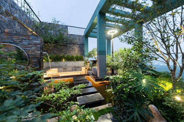 Vợ chồng 9X chi 5 tỷ cải tạo penthouse, dành hẳn 150m2 làm khu vườn trên cao để chill tại gia - Ảnh 25.