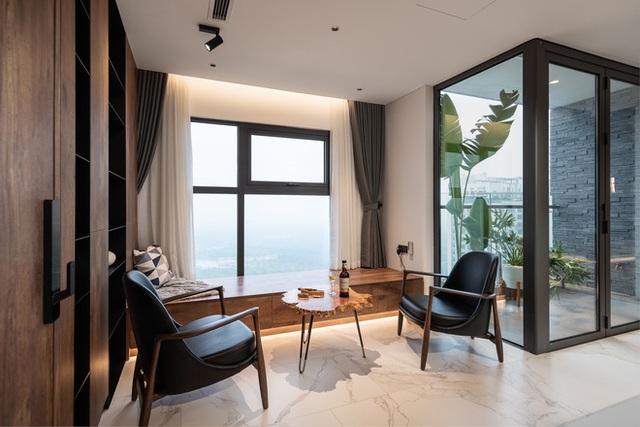 Vợ chồng 9X chi 5 tỷ cải tạo penthouse, dành hẳn 150m2 làm khu vườn trên cao để chill tại gia - Ảnh 6.