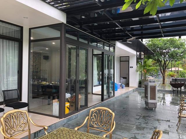 Ảnh quảng cáo biệt thự nhưng khách tới L. Villa Sóc Sơn phải ở dãy nhà trọ, quản lí khinh thường nói khách giẻ rách, ghê gớm - Ảnh 3.