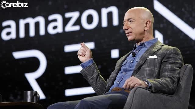 4 trong số những bài học hay nhất để thành công của Jeff Bezos trong 27 năm làm Giám đốc điều hành Amazon - Ảnh 1.