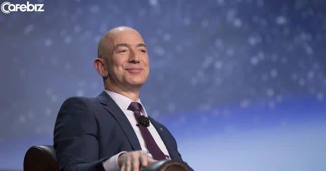4 trong số những bài học hay nhất để thành công của Jeff Bezos trong 27 năm làm Giám đốc điều hành Amazon - Ảnh 2.