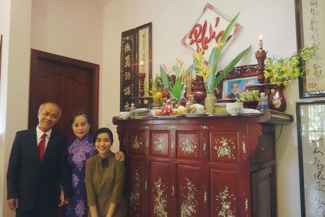 Đám cưới mùa dịch của cặp đôi Sài Gòn tổ chức trên Zoom, họ hàng phấn khởi dự tiệc online - Ảnh 3.