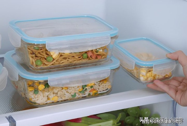 Người phụ nữ 28 tuổi được chẩn đoán ung thư dạ dày, bác sĩ cảnh báo: 2 loại thực phẩm này để trong tủ lạnh lâu ngày, tất cả đều là chất gây ung thư - Ảnh 2.