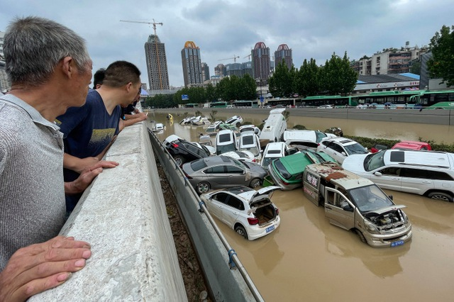 'Mưa lớn nhất 1.000 năm' gây lụt nặng ở tỉnh miền trung Trung Quốc - Ảnh 10.