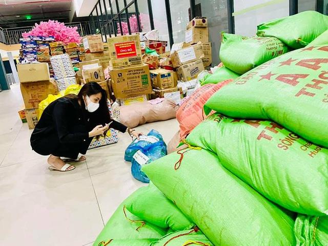 """Thuỷ Tiên bị tố """"nhận vơ"""" cả trăm tấn lương thực người dân Hà Tĩnh tiếp tế cho Sài Gòn, Công Vinh bức xúc lên tiếng phân trần - Ảnh 7."""
