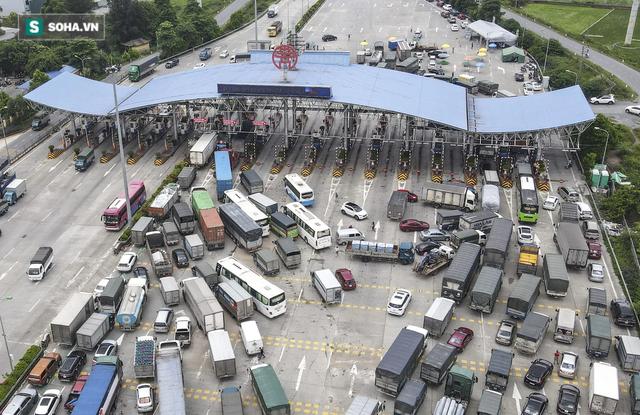 Hà Nội giãn cách xã hội, cao tốc Pháp Vân - Cầu Giẽ 80% xe phải quay đầu, nhiều tài xế bất ngờ, to tiếng với CSGT - Ảnh 16.