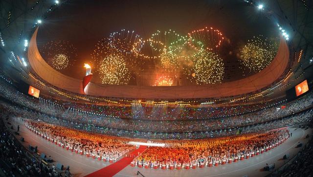 Từ Olympic Tokyo 2020 nhìn lại màn hát nhép gây phẫn nộ thế giới tại Olympic Bắc Kinh 2008, để lại tổn thương sâu sắc cho 2 bé gái tài năng - Ảnh 2.