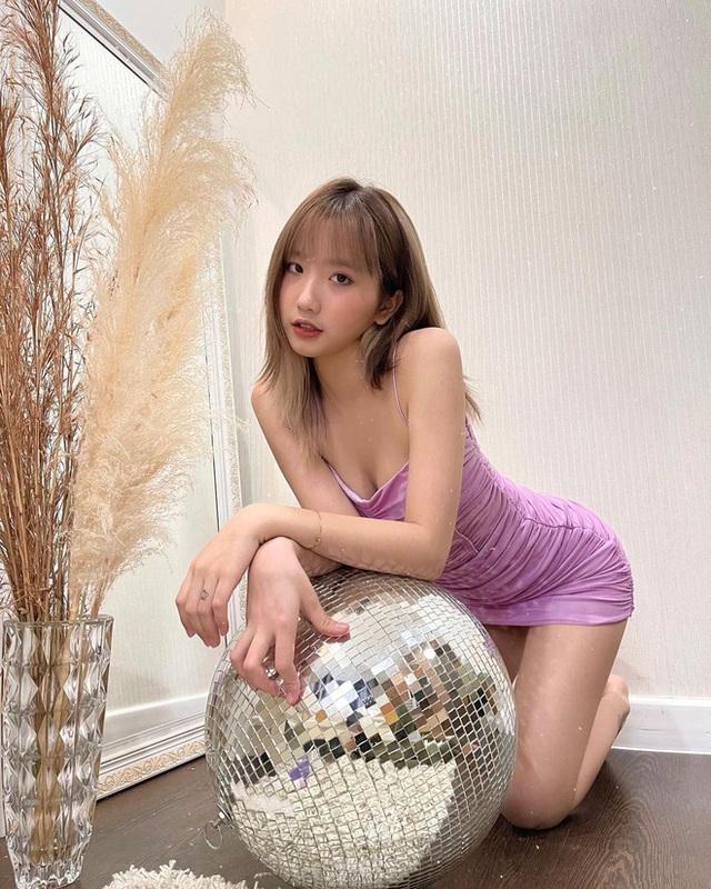 Hot girl thị phi 17 tuổi, chủ kênh TikTok 7.7 triệu followers bị bóc phốt quảng cáo cho trang cờ bạc online - Ảnh 2.