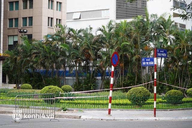NÓNG: Đang phong toả Vincom Bà Triệu, truy vết khẩn cấp liên quan bảo vệ nghi nhiễm Covid-19 - Ảnh 5.