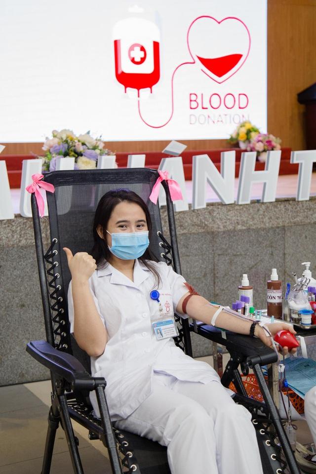 Ngân hàng máu kêu cứu vì nguồn dự trữ cạn kiệt, các điểm hiến máu vắng bóng người do dịch COVID-19 - Ảnh 5.