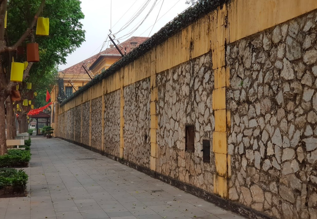 """The story of Hoa Lo Prison: """"Hell on earth"""" in the heart of Hanoi, after more than a century is still the scariest place in Southeast Asia - Photo 3."""