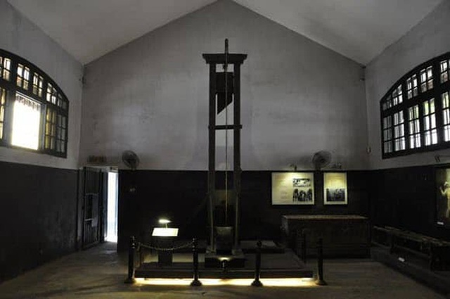 """The story of Hoa Lo Prison: """"Hell on earth"""" in the heart of Hanoi, after more than a century is still the scariest place in Southeast Asia - Photo 4."""