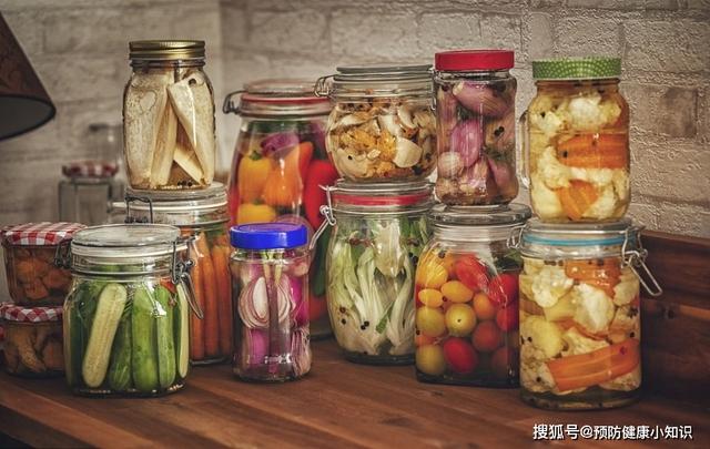 Người đàn ông bị liệt vĩnh viễn sau một thời gian ăn chay: Bác sĩ nói nguyên nhân chính là kiểu ăn uống triệu người đang mắc  - Ảnh 2.