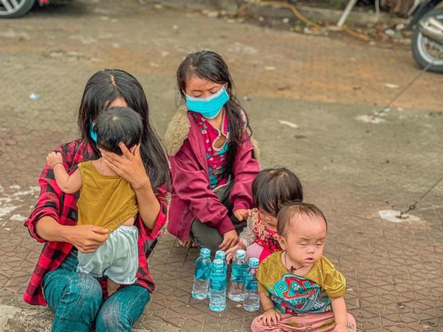 Hành trình 1400 km chạy xe máy từ miền Nam về quê của những người lao động nghèo tha hương - Ảnh 8.