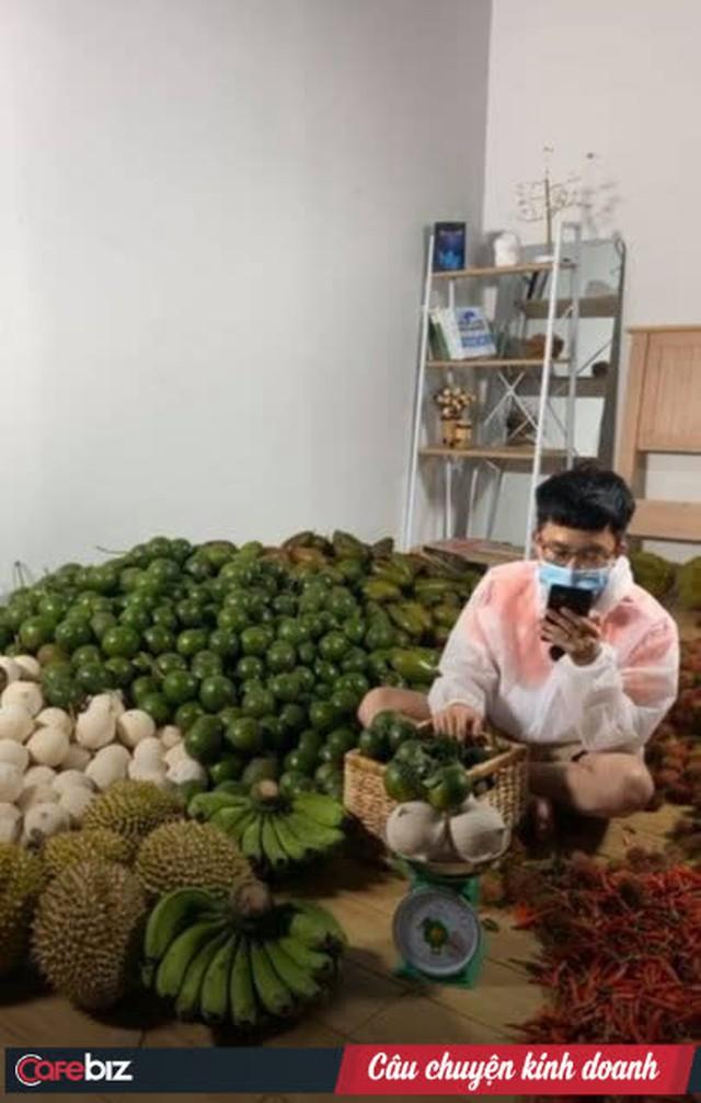 Cuộc chuyển mình nước rút của một SME tại Sài Gòn: Chuyển từ bán nội thất sang thực phẩm trong 72 giờ, CEO livestream kiêm luôn giữ hotline, chốt liên tục 500 đơn/ngày - Ảnh 4.