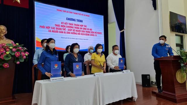 Ra mắt liên minh thiện nguyện Vòng Tay Việt – Sài Gòn và sẽ trao tặng cho Trung tâm An sinh TP.HCM 1 triệu suất ăn đến tháng 9/2021 - Ảnh 1.