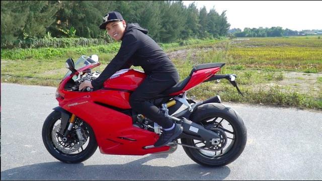Những lần mua xe của NTN – Youtuber cá nhân đạt nút kim cương đầu tiên Việt Nam: 2 lần mua siêu xe lừa CĐM, thực tế chạy Mẹc và Ducati - Ảnh 8.