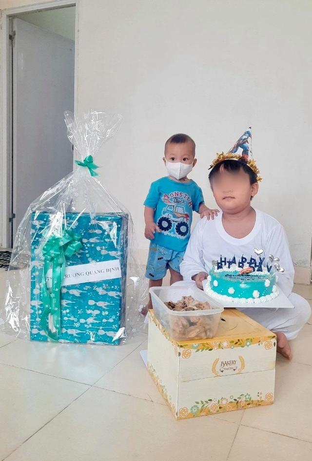 Sinh nhật đặc biệt của siêu nhân Ken, cậu bé 9 tuổi mất mẹ trước cổng bệnh viện, cả nhà chịu tai ương vì COVID-19 - Ảnh 3.