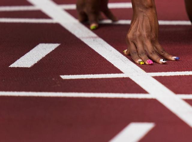 Các vận động viên Olympic thi nhau phá kỷ lục nhờ công nghệ đường chạy trên mây của Nhật Bản - Ảnh 5.