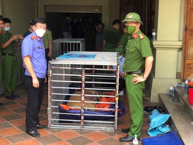 Vụ nuôi nhốt 17 con hổ trong nhà như nuôi heo: Chủ nhà xây tầng hầm rộng cả trăm mét để tránh bị phát hiện - Ảnh 5.