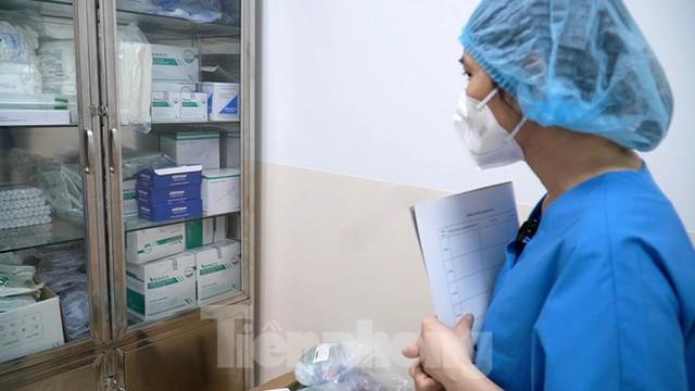 Cận cảnh khoa đặc biệt cho bệnh nhân vừa vượt qua cửa tử tại Bệnh viện Hồi sức COVID-19 - Ảnh 9.