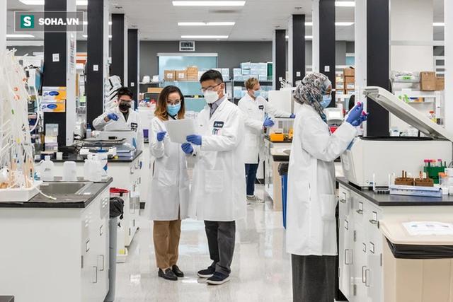 Tin vui: Tập đoàn Vingroup đã đưa lô thuốc điều trị Covid-19 đầu tiên về Việt Nam - Ảnh 3.