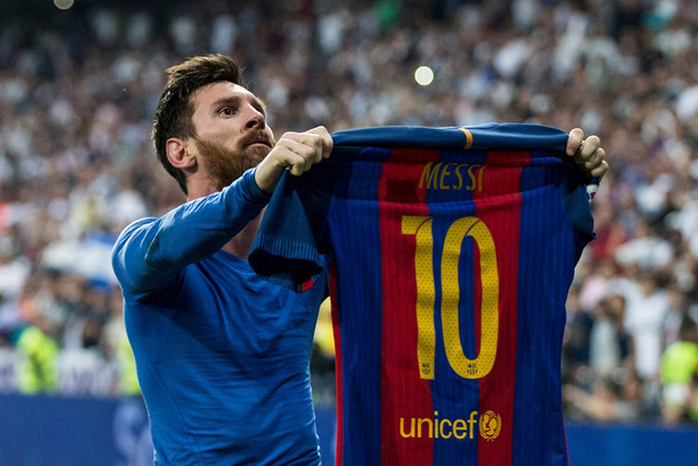 Toàn bộ sự nghiệp vĩ đại của Messi tại Barcelona qua ảnh - Ảnh 23.