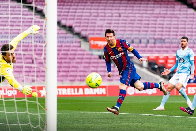 Toàn bộ sự nghiệp vĩ đại của Messi tại Barcelona qua ảnh - Ảnh 30.