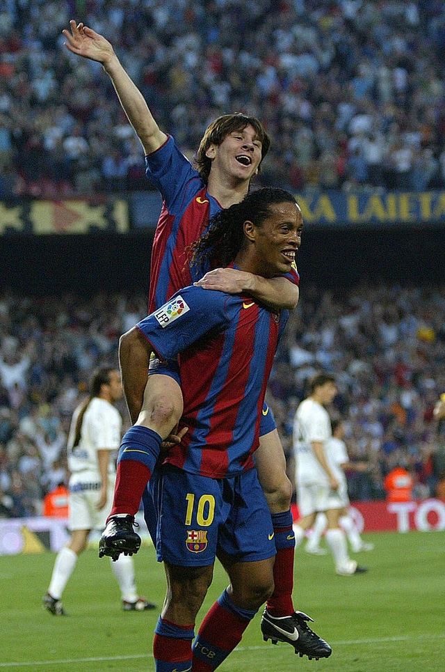 Toàn bộ sự nghiệp vĩ đại của Messi tại Barcelona qua ảnh - Ảnh 5.