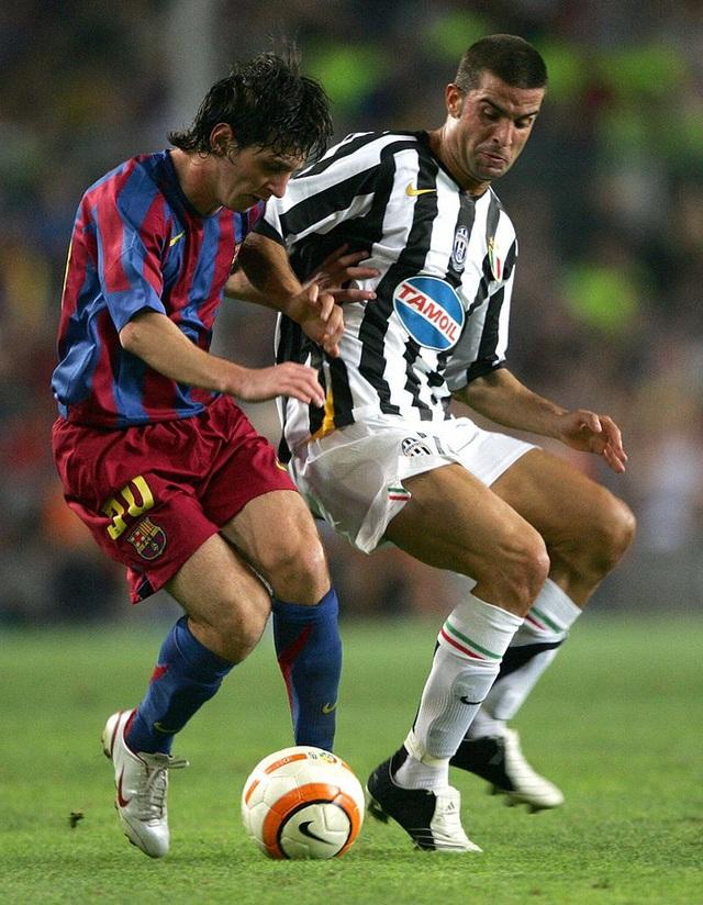 Toàn bộ sự nghiệp vĩ đại của Messi tại Barcelona qua ảnh - Ảnh 6.