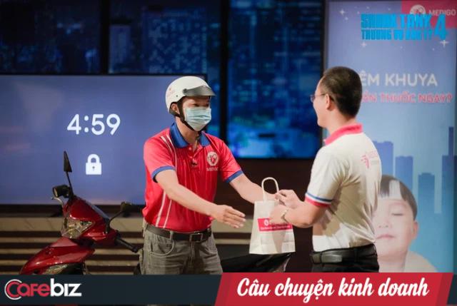 Xuất hiện startup bị Shark Bình mắng 'ngáo giá' nhất Shark Tank: 1 tháng đốt 280 triệu, đem về GMV 800 triệu đồng, tự định giá DN 185 tỷ đồng, lợi thế duy nhất là giao hàng ban đêm - Ảnh 1.