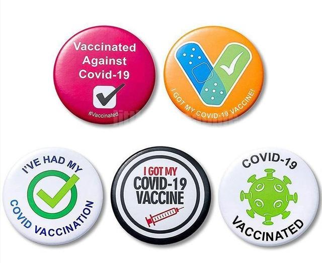 """Áo """"chứng nhận tiêm vaccine"""", ốp điện thoại in mã QR gây sốt chợ mạng, giá chỉ từ 80K - Ảnh 7."""