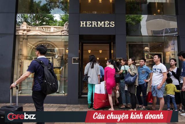 Mua sắm trả thù: Niềm hy vọng hồi sinh cho các nhà bán lẻ hậu Covid - Ảnh 1.