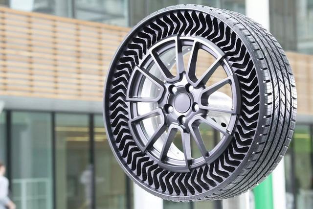 Michelin giới thiệu lốp xe không hơi, nỗi lo thủng lốp, xịt hơi vĩnh viễn không còn nữa - Ảnh 1.