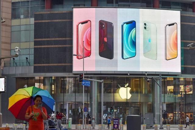 WSJ: Người dùng Trung Quốc ủng hộ giá bán thấp của iPhone 13 - Ảnh 1.