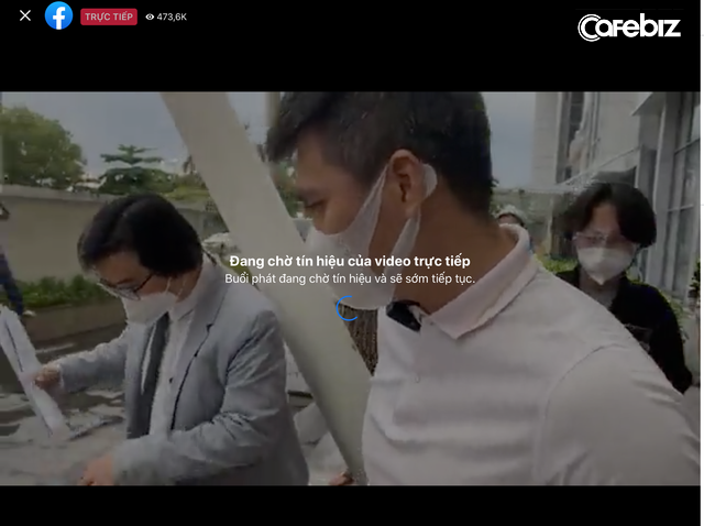 Livestream công bố sao kê, vợ chồng Thuỷ Tiên - Công Vinh lập kỷ lục 473.000 người xem: Gấp đôi kỷ lục của bà Phương Hằng, bằng 12 lần sức chứa sân Mỹ Đình!  - Ảnh 4.