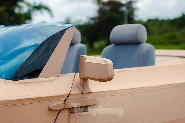 Thợ Việt chế kiểu dáng Rolls-Royce mui trần bằng bìa cứng - Ảnh 4.