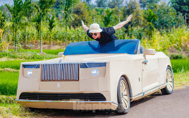 Thợ Việt chế kiểu dáng Rolls-Royce mui trần bằng bìa cứng - Ảnh 6.