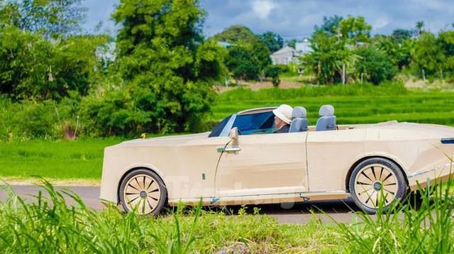 Thợ Việt chế kiểu dáng Rolls-Royce mui trần bằng bìa cứng - Ảnh 7.
